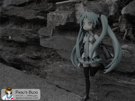 One I darkened for mood. Waiting for someone? Leaning against the ruin~
